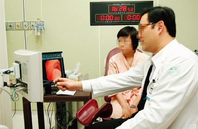 '맞아도 될까?' 자궁경부암 무료백신 논란