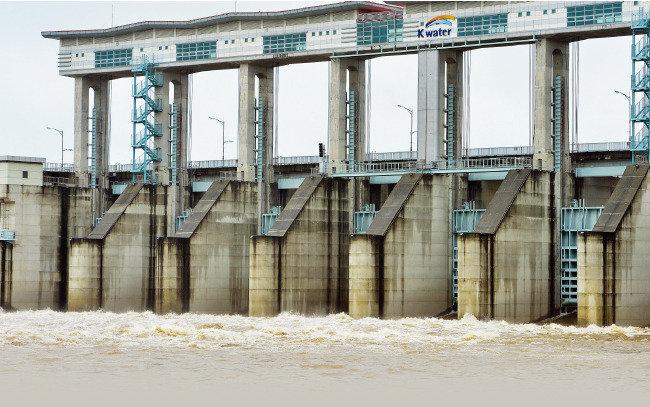 임진강 홍수 걱정 끝이라더니 무용지물 된 군남댐을 어찌하리!