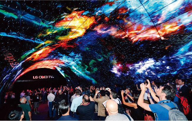 LG전자 TV·디스플레이 세계 시장 세대교체