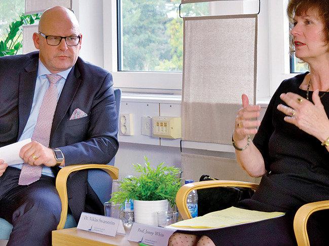 """""""중립국 스웨덴도 고민했던 핵무장, 100% 확실한 선택은 없다"""""""