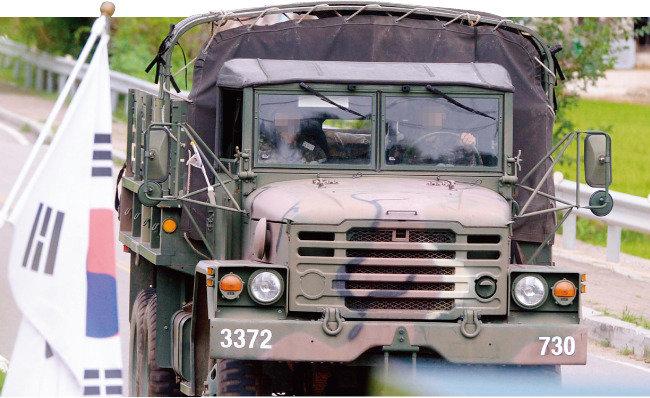 軍 화물차에 에어백을 許하라