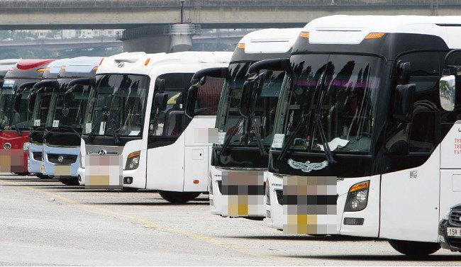 도로 위 폭군 관광버스 운전기사 구인난에 '아무나' 몬다