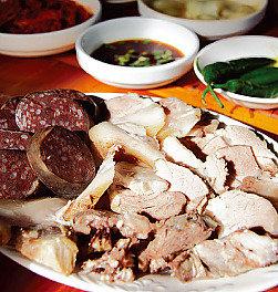 식재료 살리는 전통과 글로벌의 향연