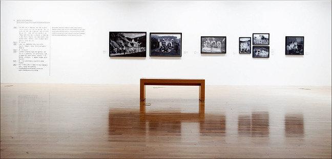 흑백사진에 기록된 시간