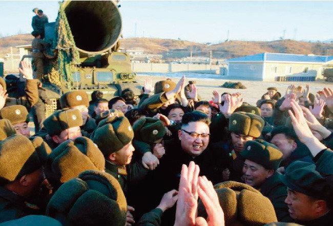 한국 격변이냐 북한 급변이냐