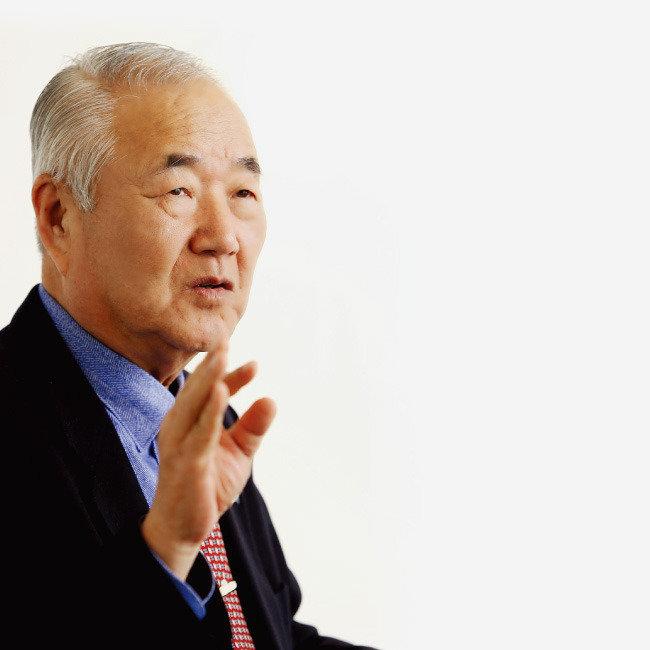 """""""탄핵 인용되면 국민저항권 발동"""""""