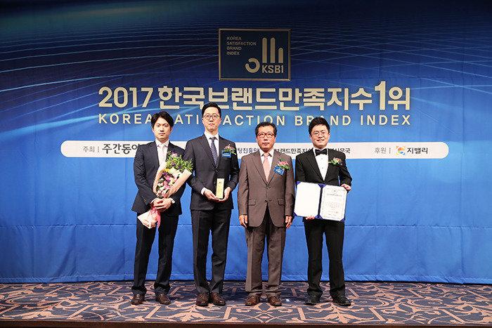 [2017 한국브랜드만족지수1위] 안티에이징 전문 병원, 바탕성형외과