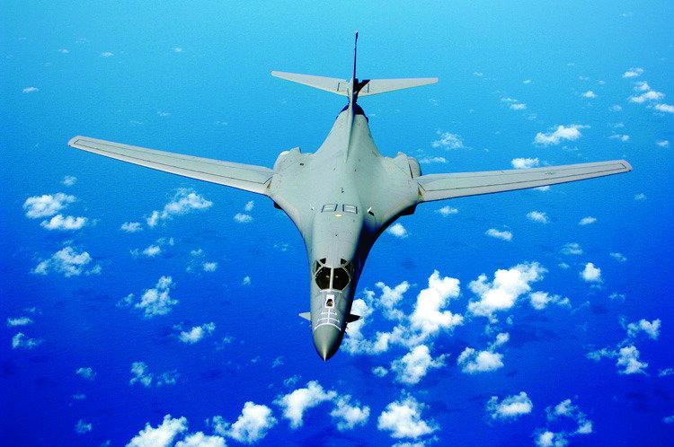 김정은이 가장 두려워하는 전략무기는? 핵폭탄 장착한 B-2 스텔스 폭격기