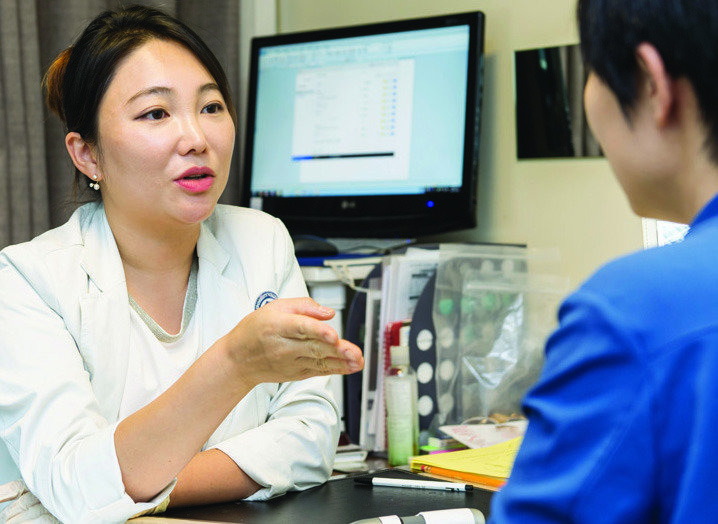 연휴 앞둔 병원가, 대세는 '웰에이징'