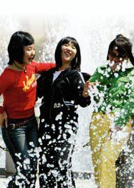'4월 여름' 한반도 봄 실종 사건