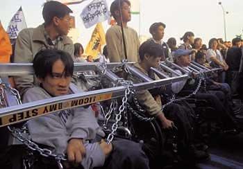 '장애인의 날' 누가 이들을 분노케 했나
