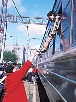 """""""유라시아철도 내년에 개통시키겠다"""""""