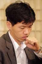 중국 러브 콜에 흔들리는 '돌부처'