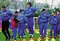 '3-4-3 담금질' 한국축구 16강 가자!