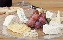순한 치즈·고기 요리와 잘 어울려