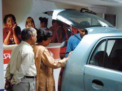 현대車 인도 도로 '초고속 점령'