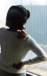 20, 30대 어깨결림 증상  근본 치료 안 하면 오십견 유발