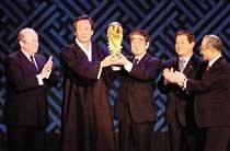 월드컵조직위 쌍두마차 '삐그덕'