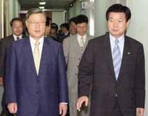 임기 말 정국의 '바로미터' 한화갑