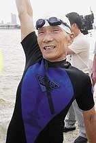 68세 장애 딛고 10km 한강 도하 이희재 씨