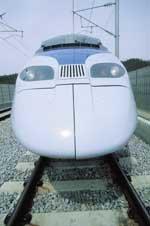 빠르게 거침없이 '꿈의 열차' 달린다
