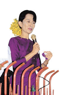 철권 통치 '미얀마' 민주화 숨통 트이나