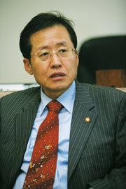 """""""박근혜 대표, 전략도 리더십도 없다"""""""