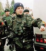 전쟁범죄자들은 발칸의 '뜨거운 감자'