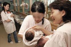 어린 부모 눈물로 '육아 일기' 쓴다