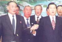 김정일, 개방의 고삐 군부에 쥐여주다