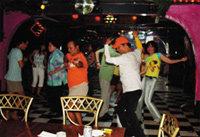 """티니안 섬, 그리고 춤의 감동 … """"춤엔 국경이 없다"""""""