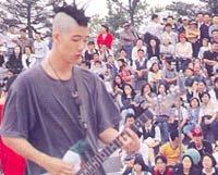 청소년 축제, 알맹이 빠진 '돈잔치'