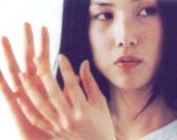 화끈하게 벗고 뜬 '겁없는 미인' 이지현