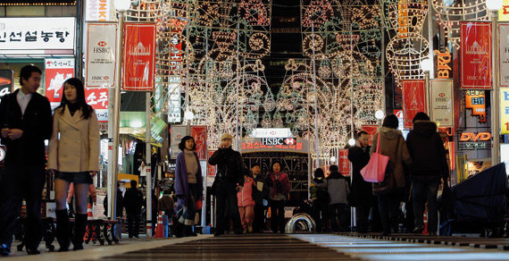 형형색색 영롱한 빛, 서울 밤을 수놓다