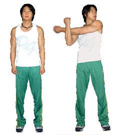 스트레칭은 어깨 근육통 예방제