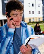 학교 내 휴대전화 단속 학생·학부모 강력 반발