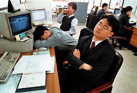 선잠 8시간 < 단잠 5시간 '양보다 질' 수면의 경제학