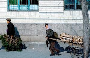 북한측 밀사 리호남이 '정치' 아닌 '경제'전문가인 이유