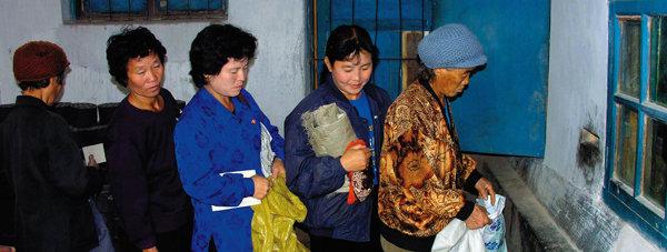 """""""북한 식량난 최악, 돌파구 절실했다"""""""