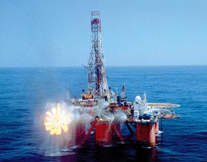 미·중 석유 사재기 유가 폭등 부채질