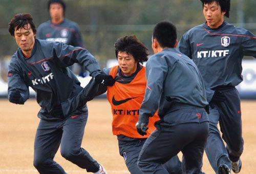 여전한 기계적 훈련 반복 한국축구 제 갈 길 가나