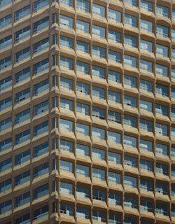빌딩으로 말하는 기하학적 추상