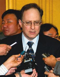 쇠고기 정국 민감한 발언 뭇매 맞는 대북 강경파