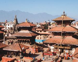 도시 전체가 건축물 전시장 중세시대로 시간여행 온 듯