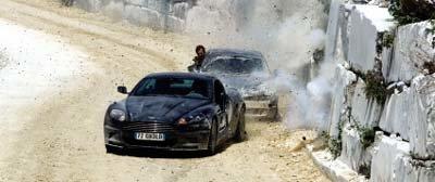 생존본능 007의 좌충우돌 만점 액션