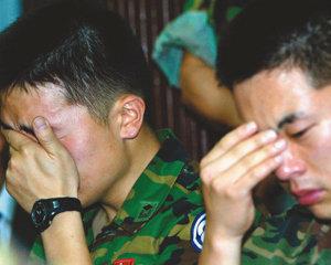 전방 후임병들 반란 잠 못 드는 후방 국민들