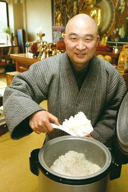 15년째 점심 퍼주는 스님