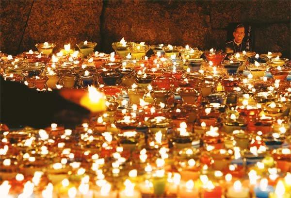 지상에 남긴 '사랑의 촛불'
