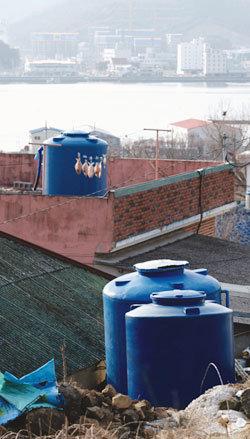 '물 공급 현대화'냐 '생명 지키기'냐