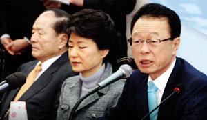 커가는 鄭 태풍 (민주당) … 불붙는 집안 싸움 (한나라당)